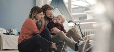Familie mit kleinem Kind